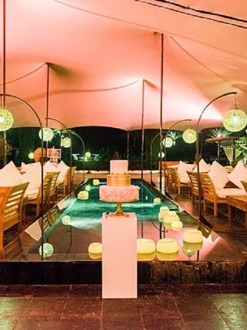 Hochzeitslocations Atzaro Ibiza Lounge innen Hochzeitstorte