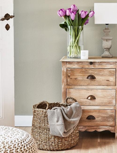 Schlafzimmer Nachtschrank aus Holz