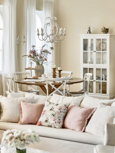 Wohnzimmer im Country Style in Weiß