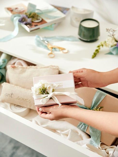 Kleine Geschenkebox zur Hochzeit selbstgemacht