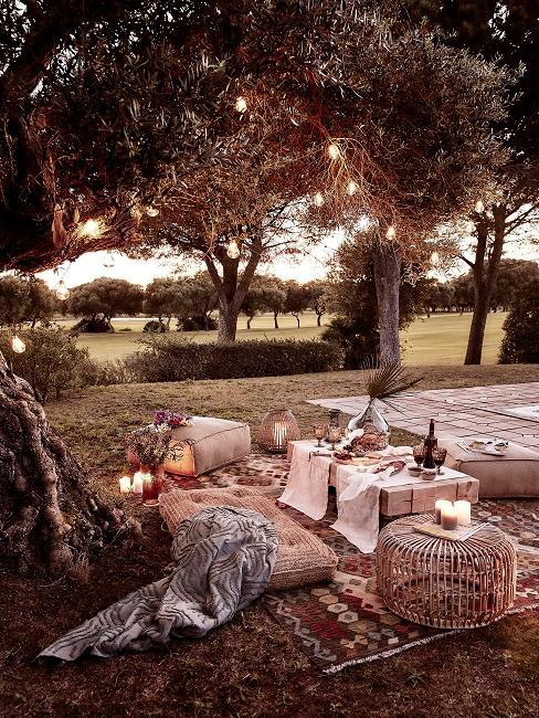 Outdoor Picknick mit orientalischer Deko