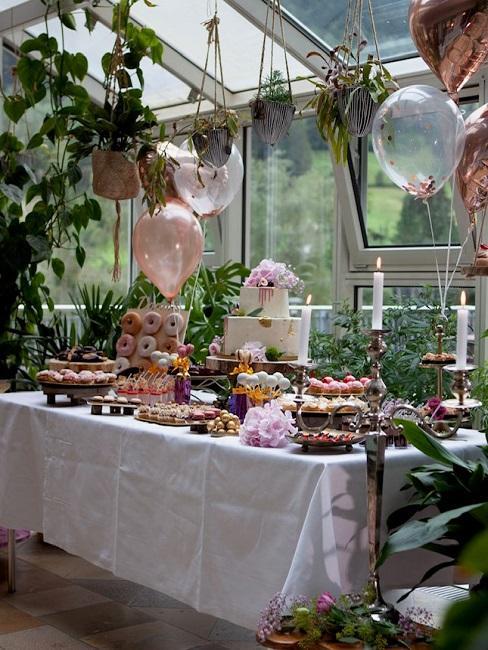 Hochzeitslocations Walliser Hof Wintergarten Buffet