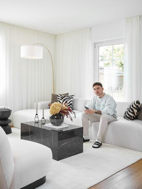 Mike Singer Sofa Wohnzimmer