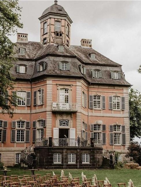 Hochzeitslocations Martin Fett Martinredet Schloss Arff Aussenansicht