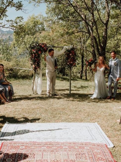 Hochzeitslocations Martin Fett Martinredet Provence Trauung aussen