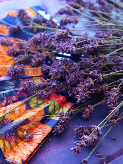 Lavendel Fächer als Tischdeko