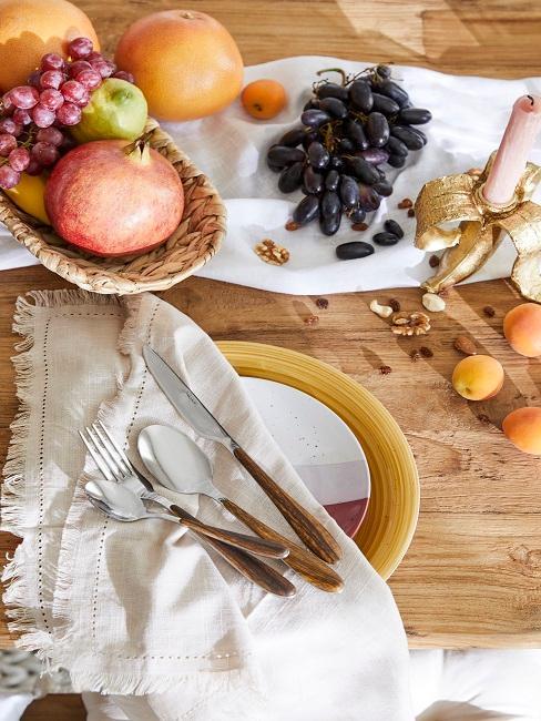 Obst auf dem Tisch