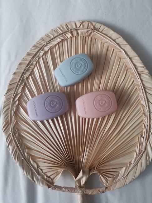 Festes Shampoo Festes Duschgel L´occitane Seifen ausgepackt