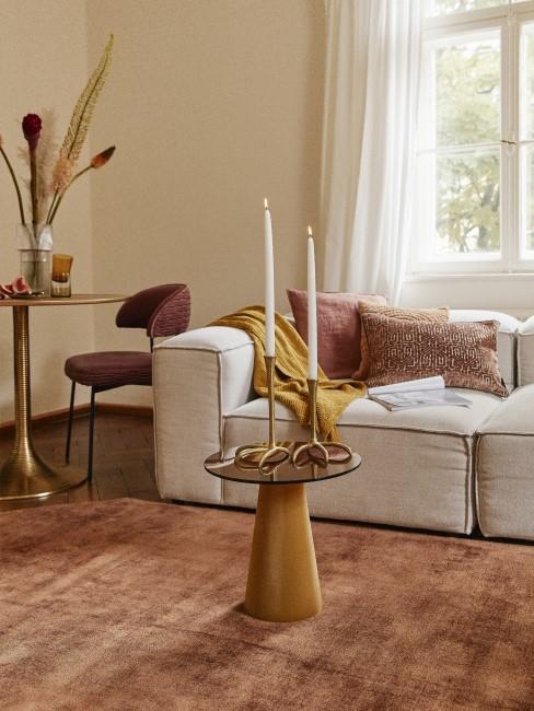 Wohnzimmer in Gelb, Braun und Terracotta