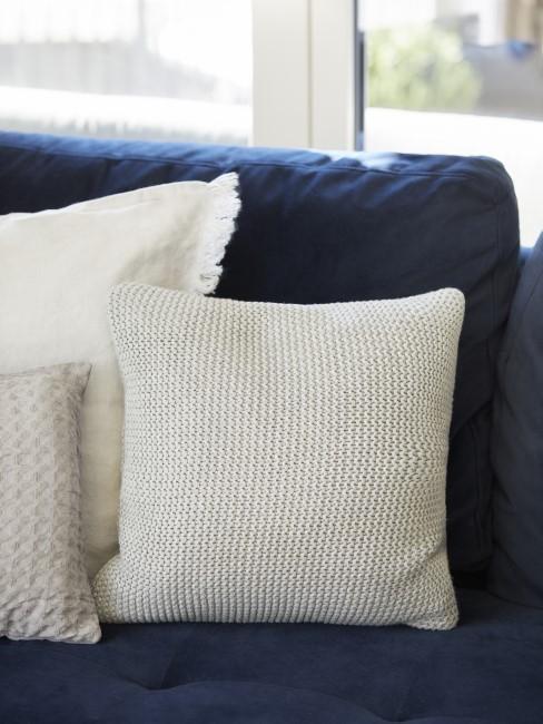 Möbel in der Farbe Indigo
