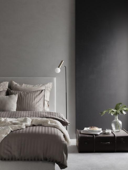 Wandfarbe Anthrazit im Schlafzimmer