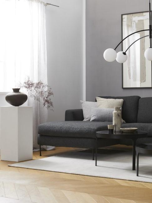 Anthrazit als Farbe für ein modernes Wohnzimmer
