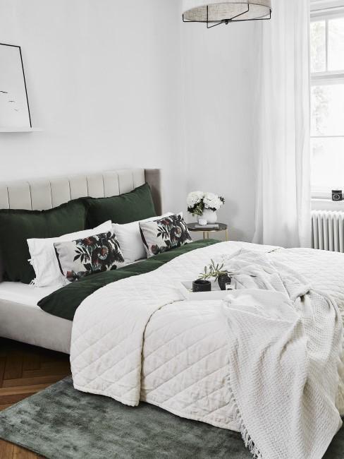 Schlafzimmer in Grün und Creme