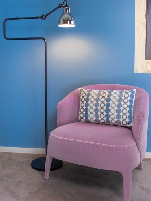 Dunkleres Azurblau als Wandfarbe