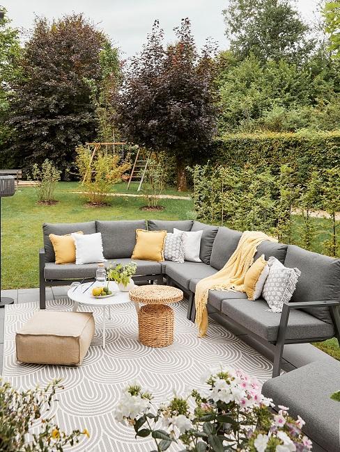 Verena Prechtl Terrasse Sofa Garten
