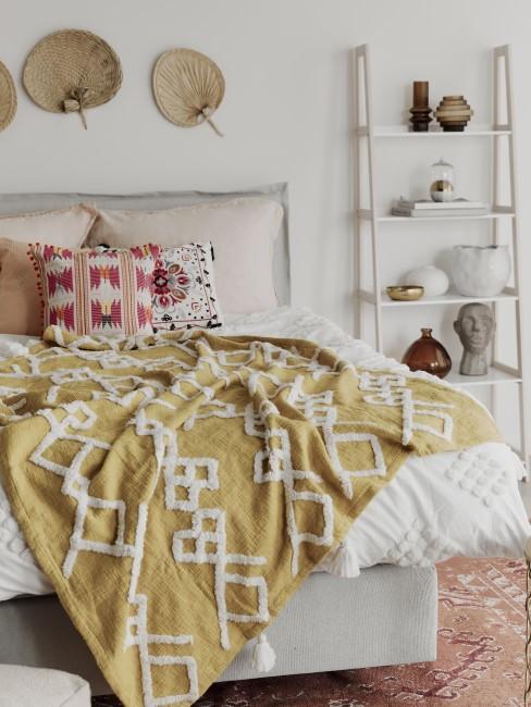 Boho Schlafzimmer mit Pink und Gelb