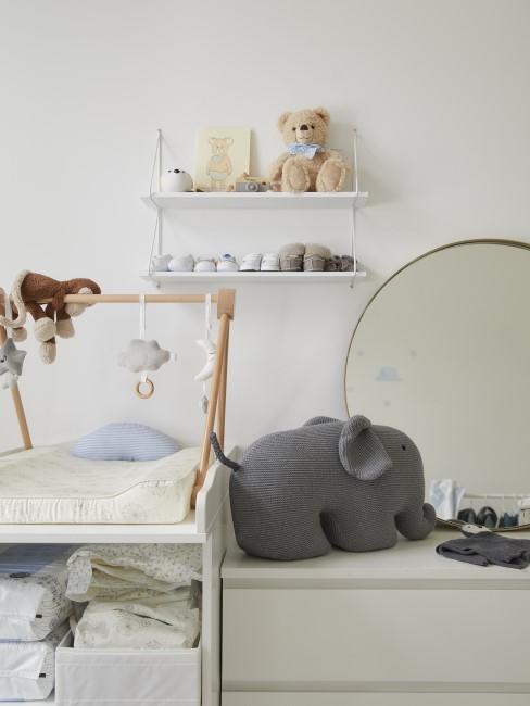 Kinderzimmer in Weiß