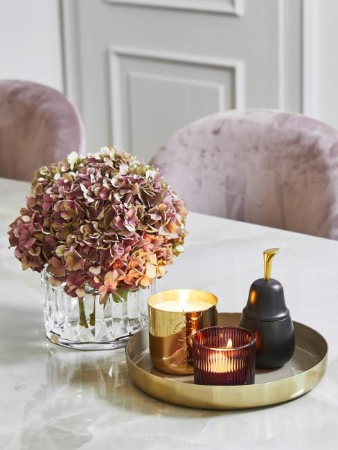 Herbstarrangement mit Hortensie, Dekotablett und Kerzen