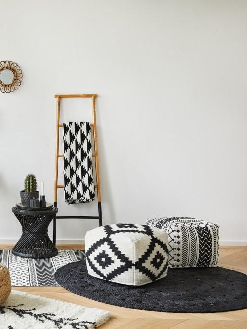 Schwarz Weiß gemusterte Möbel