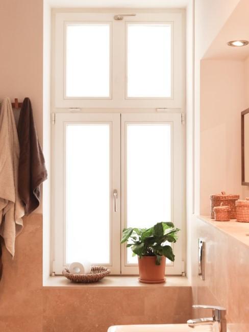 Badezimmer in Terracotta Tönen