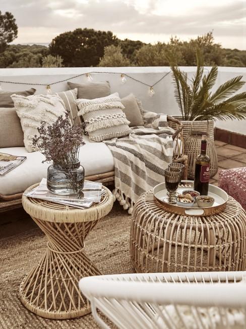 Terrasse im mediterranen Einrichtungsstil