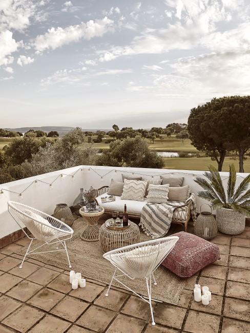 Große Dachterrasse im Mittelmeer Look