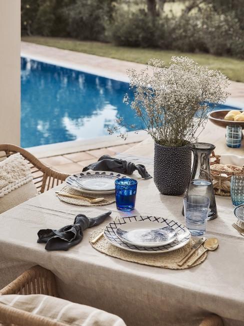 Tischdeko im mediterranen Look