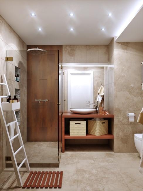 Badezimmer mit Travertin Fliesen