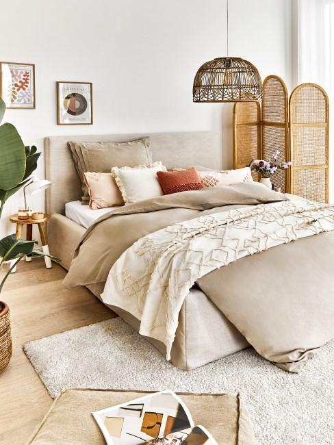 Boho Chic fürs Schlafzimmer in hellen Farben