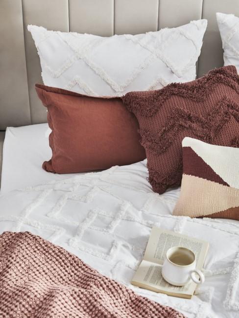 Terracotta als Farbe für Kissen