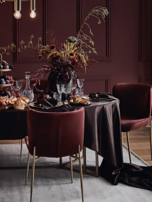 Bordeaux und Rot als Trendkombi für Weihnachten
