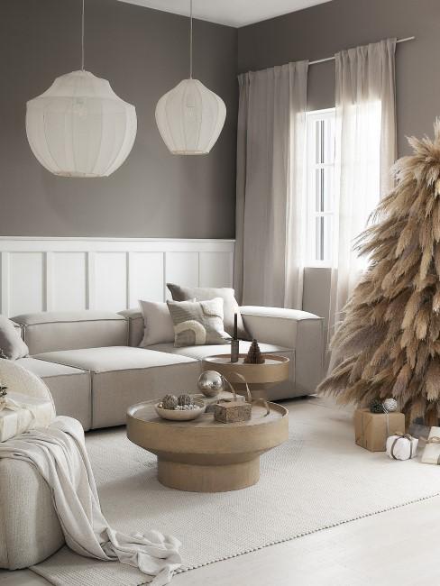 Weihnachtliches Wohnzimmer in Beige und Weiß