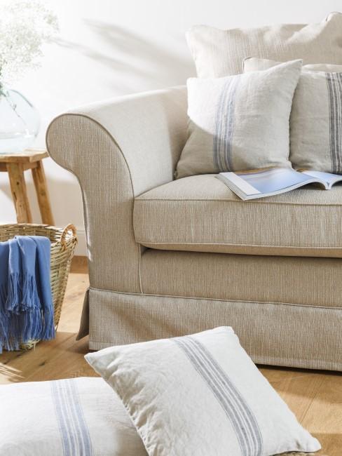 Wohnzimmer Textilien in Beige und Blau