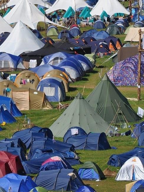 Campingplatz voller Zelt