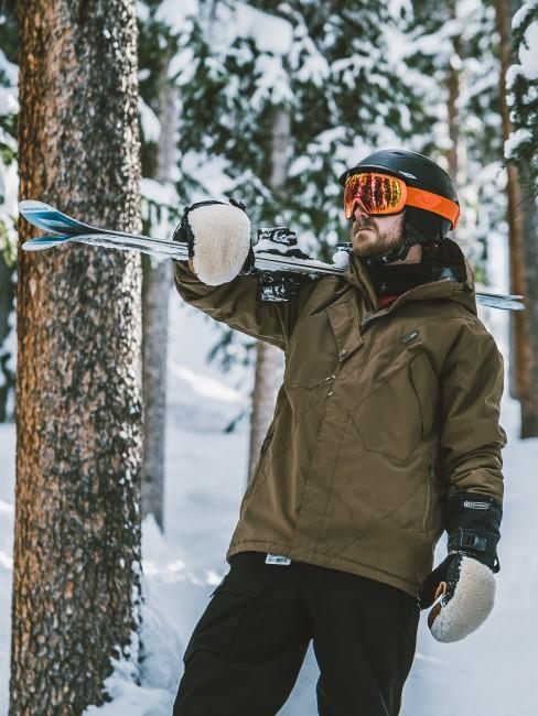 Skifahren als Aktivität beim Wintercamping
