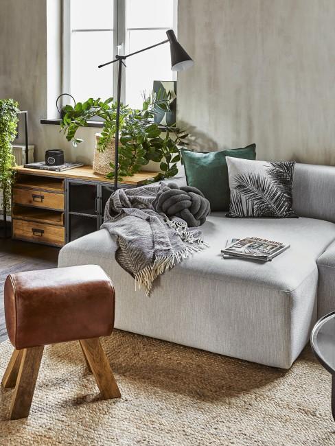 Modernes Wohnzimmer mit Elementen im Kolonialstil