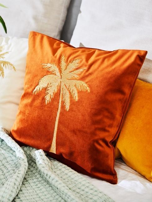 Kissen in Orange mit Palme