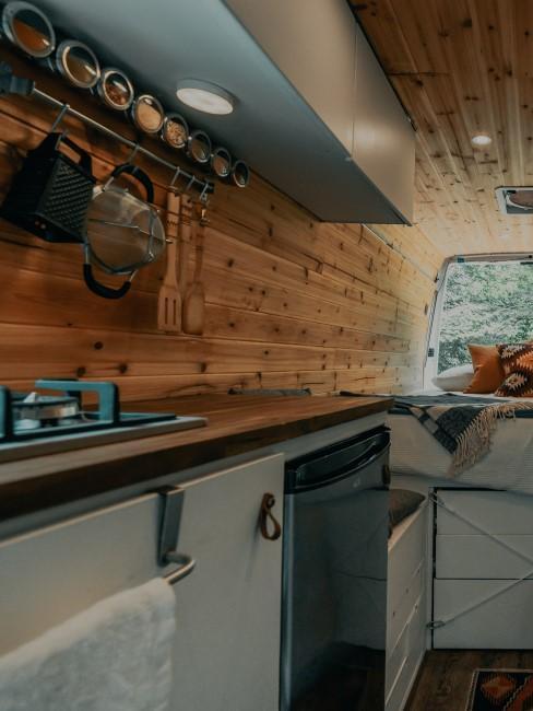 Camper Ausbau mit Küche