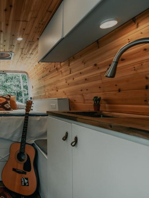 Camper Ausbau mit Waschbecken