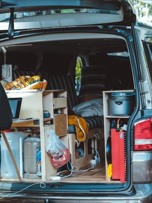 voll ausgebauter Bus als Beispiel für Camper Ausbau