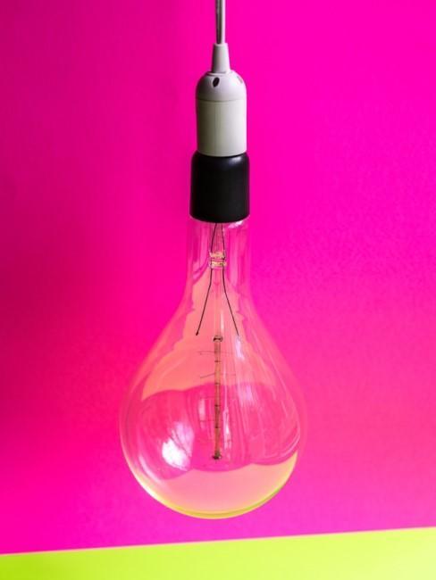 Neonfarbe Pink als Wandfarbe