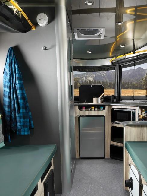 Camping Style Wohnmobil Innenansicht