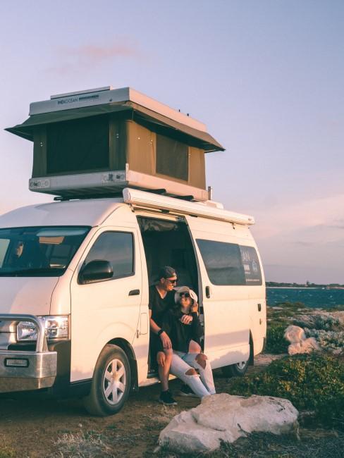Camping Style Camping zu zweit mit dem Bus