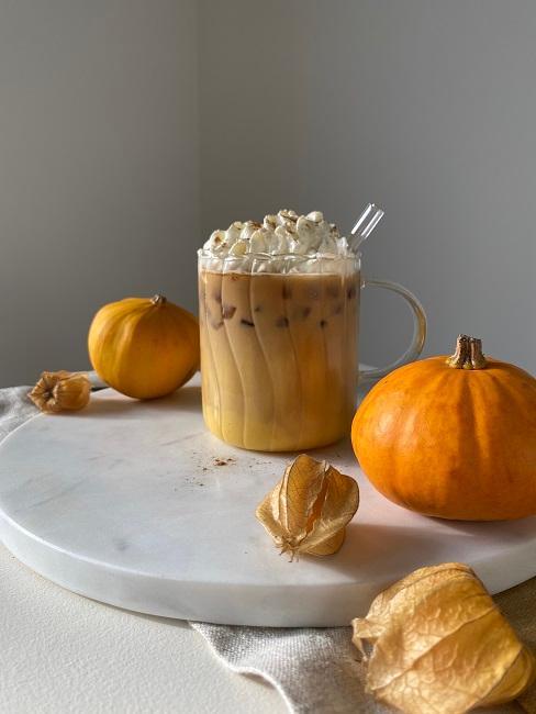 Pumpkin Spice Latte im Glas