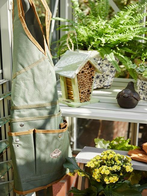 Gartenschürze und weitere Geräte
