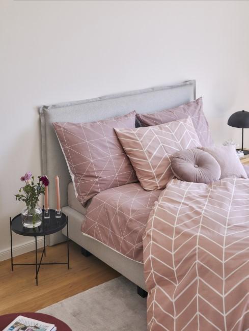 Schlafzimmer in der Farbe Mauve