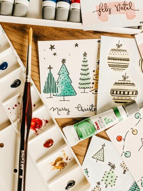 Weihnachtskarte basteln mit bunten Farben
