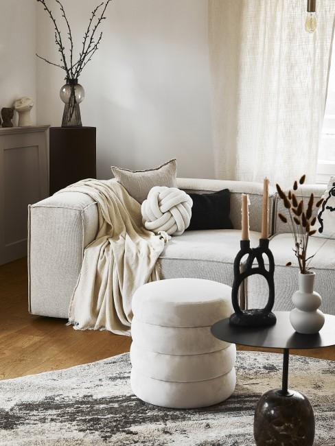 salón con sofa lennon y estilo barroco