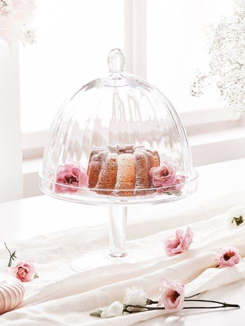 tartera de cristal con flores