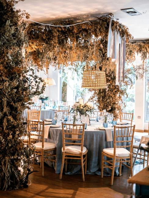 Decoración de mesas de bodas estilo natural